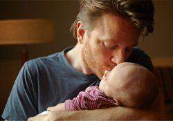 Congedo paternità essenziale